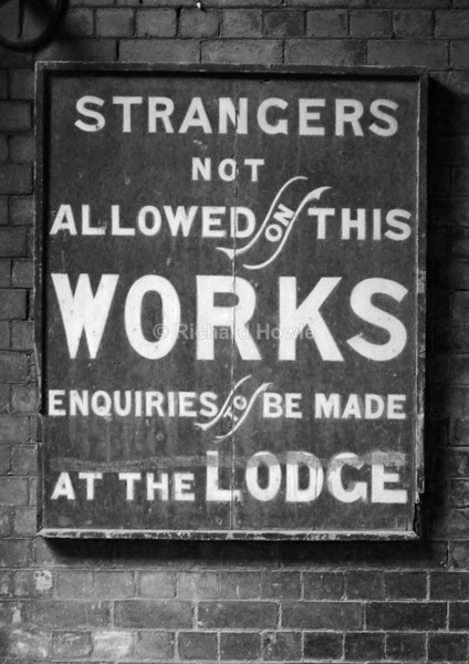 A Sign Of The Times - Potteries Images