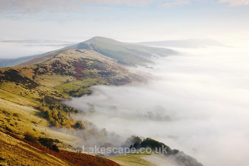 The Great Ridge 2341 - The Peak District