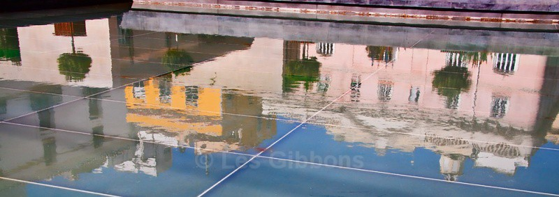 city reflection - Valencia