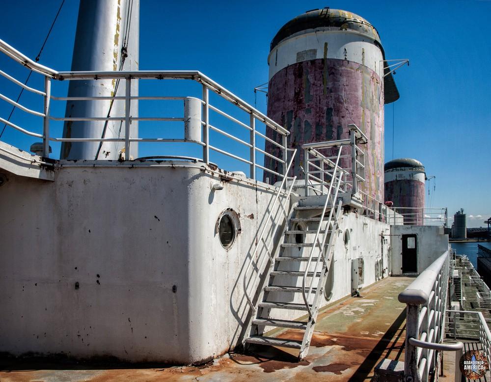 the lightless murk below   SS United States (Philadelphia, PA) - SS United States