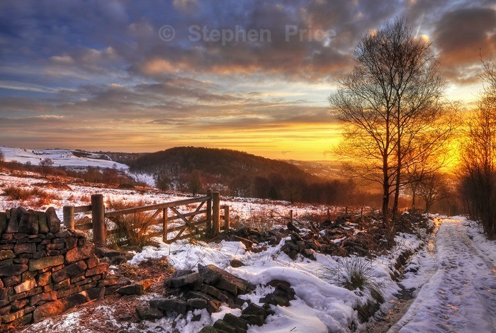 Snow and Ice at Sunrise | Winter Gate, Derbyshire Morning