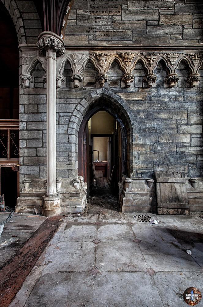 St. Peter's Episcopal Church (Germantown, PA) | Ornate Stonework - St. Peter's Episcopal Church