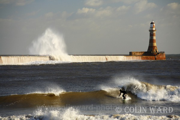 Surfing at Roker Pier. Ref 9582 - Tyne and Wear