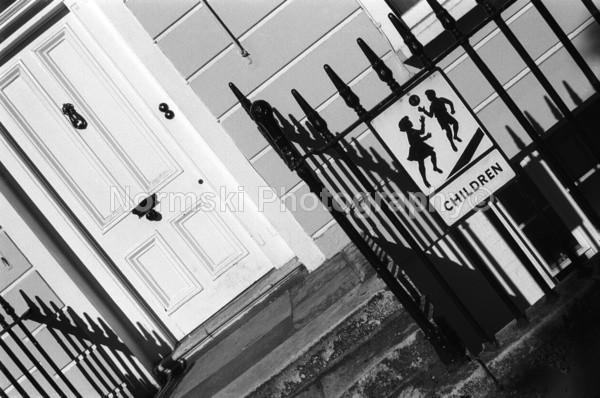 Doorway kids - Reportage