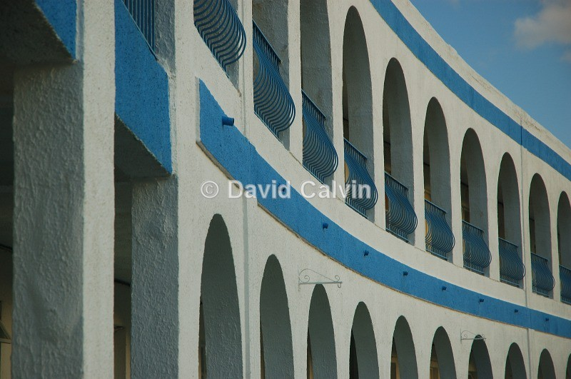 Riviera Hotel Arches - Structures