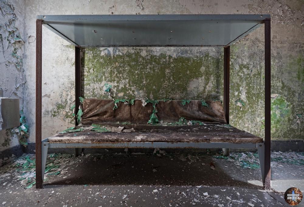 Cell bunk, Holmesburg Prison, Philadelphia PA | Abandoned America by Matthew Christopher