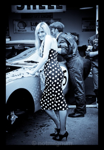 Shell babe and Ferrari GTO 250 Lusso - PHOEBE