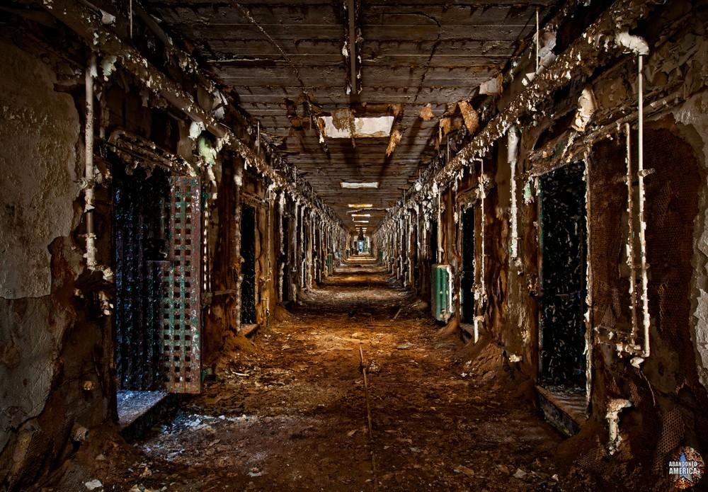Decrepit cell block, Holmesburg Prison, Philadelphia PA | Abandoned America by Matthew Christopher
