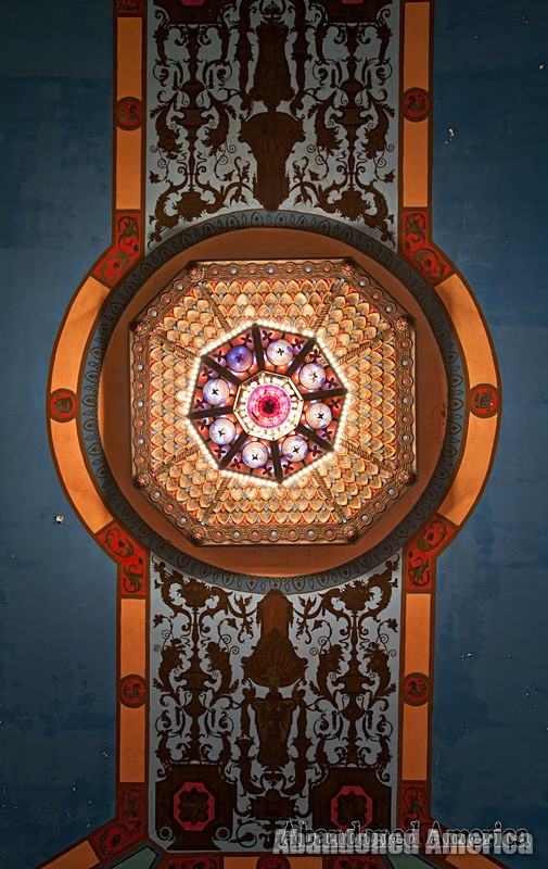 The Lansdowne Theatre   Chandelier - The Lansdowne Theater