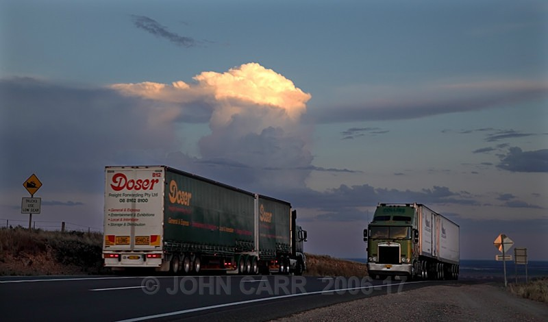 Two Green Trucks-0168 - STORM/CLOUD CHASE PHOTOS 23/1/2012