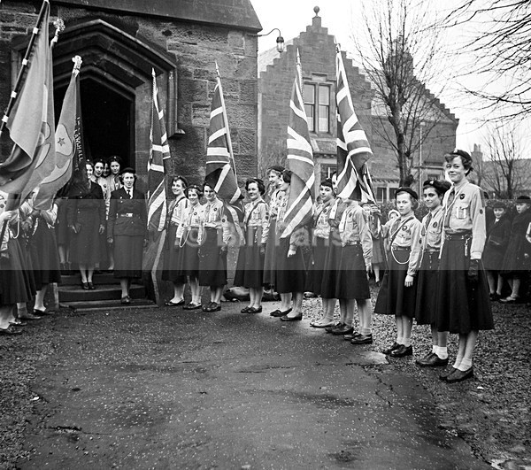No5   Larkhall Guides 1958 - Archive.