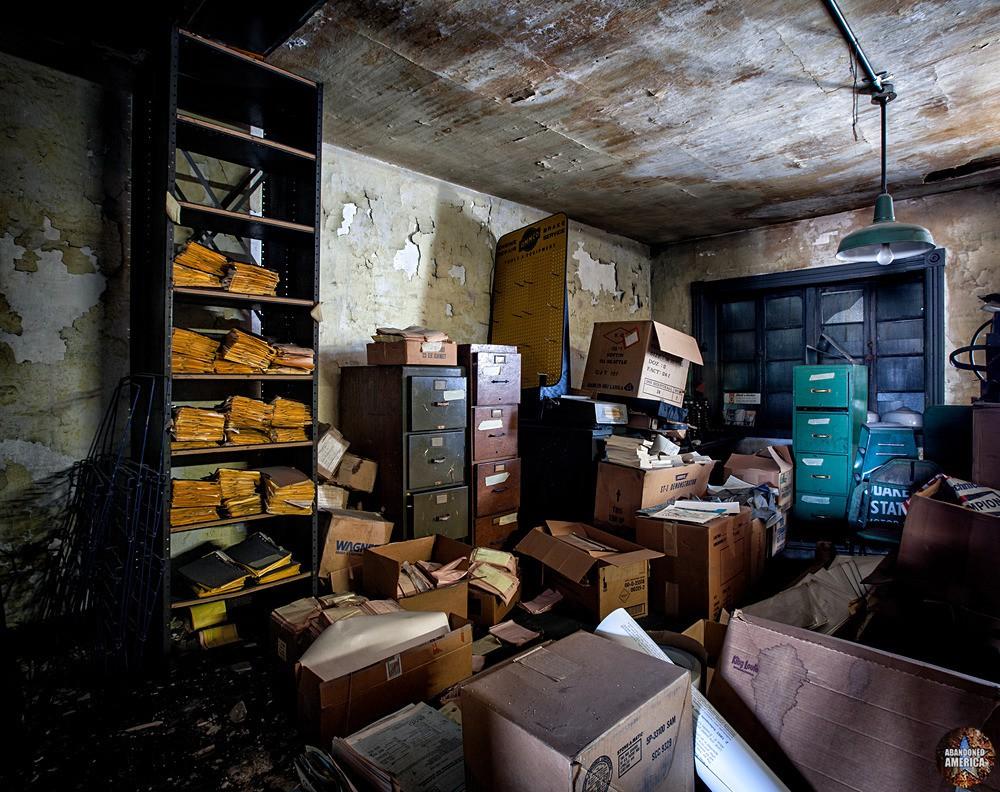 RJ Loock & Co. (Baltimore, MD) | Records Room - R. J. Loock Auto Parts