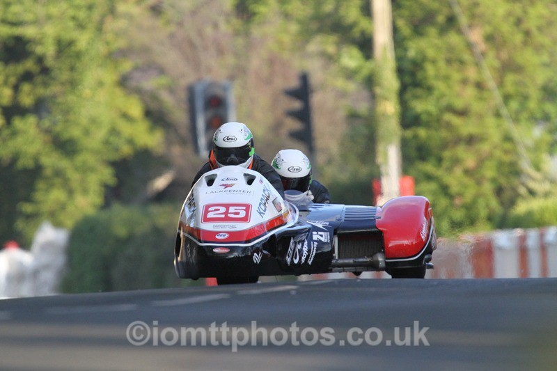IMG_5518 - Thursday Practice - TT 2013 Side Car
