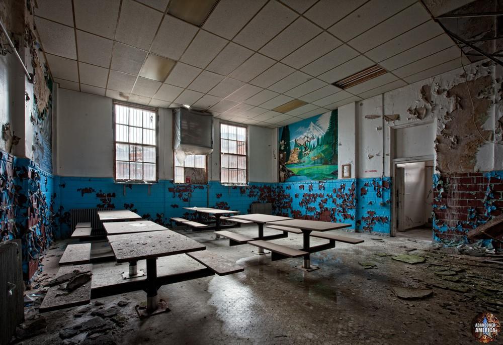 - Blackgate Prison*