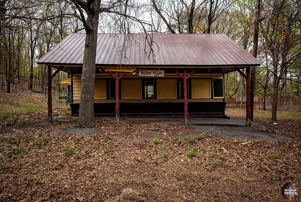 Catskill Game Farm (Catskill, NY) | Kodak Souvenir Kiosk - Catskill Game Farm