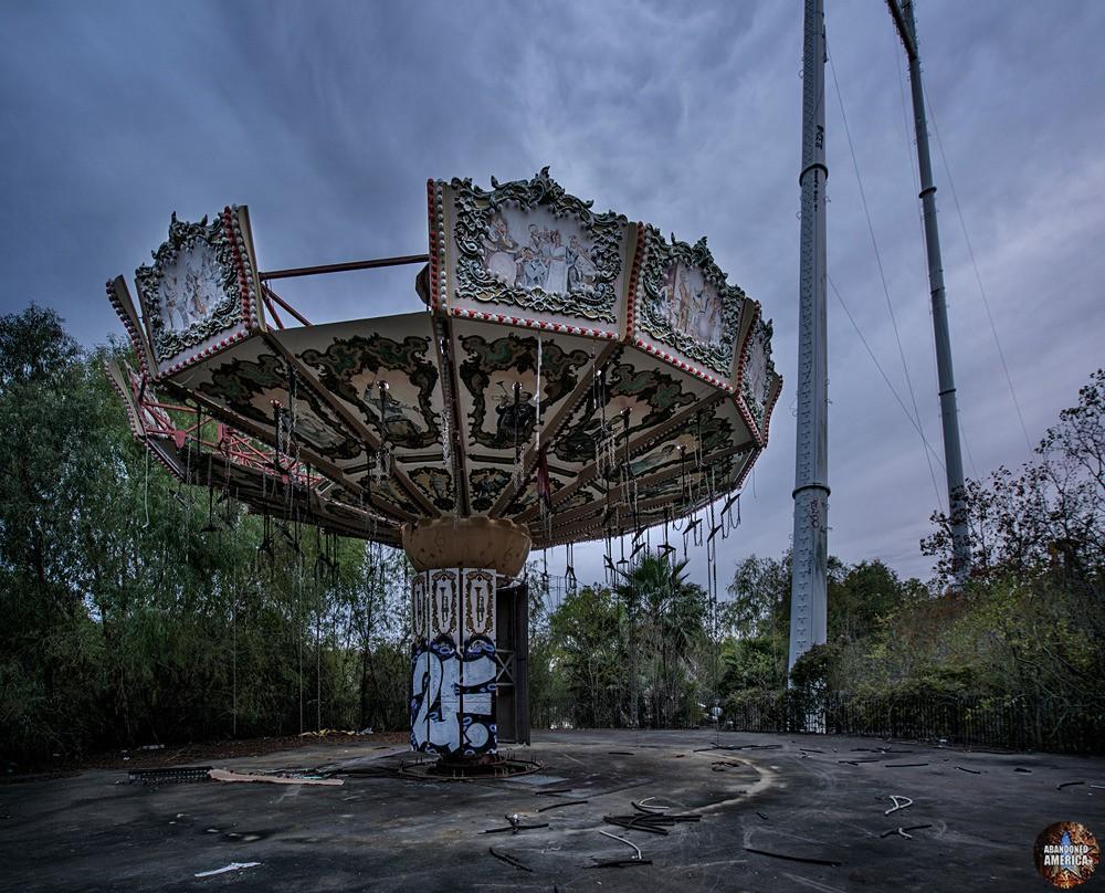 Six Flags (New Orleans, LA) | Zydeco Zinger Swings - Six Flags New Orleans
