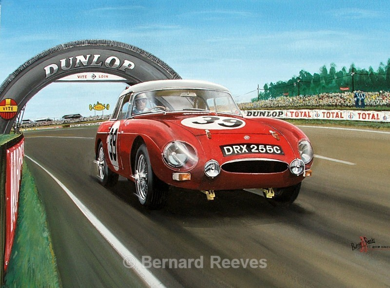 MGB at Le Mans- Dunlop Bridge - Classic cars