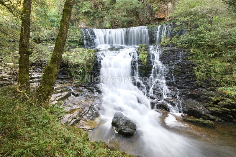 Sgŵd isaf Clun-gwyn Waterfall | Waterfall Photography from the Brecon Beacons