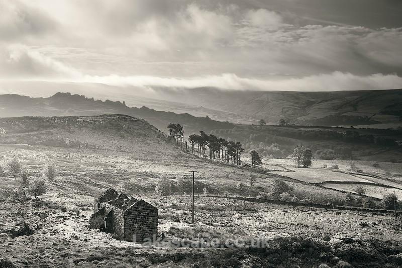 Roaches Barn & Ramshaw Rocks_B&W_7785 - The Peak District