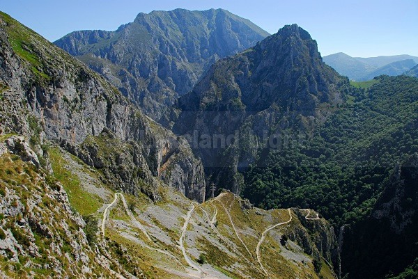 Tresviso Path 2 - Picos de Europa, Spain