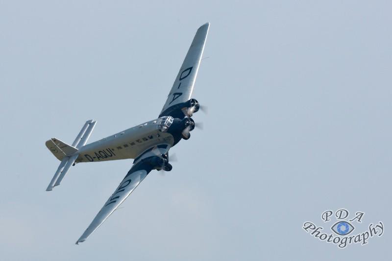 33 Junkers Ju-52