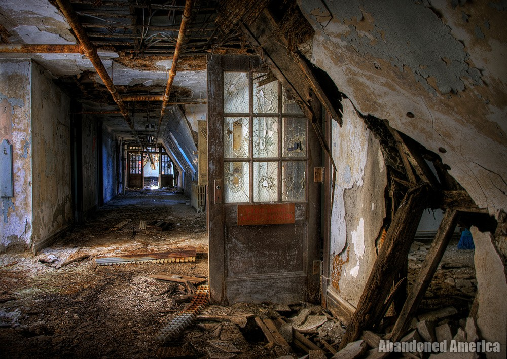 the centre cannot hold - Algonquin River State Hospital*