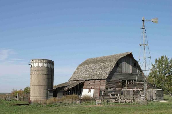 South Dakota Barn - Barns & Remnants