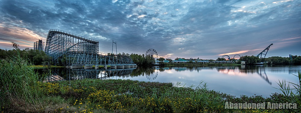 Six Flags (New Orleans, LA) | Sunrise Panorama - Six Flags New Orleans