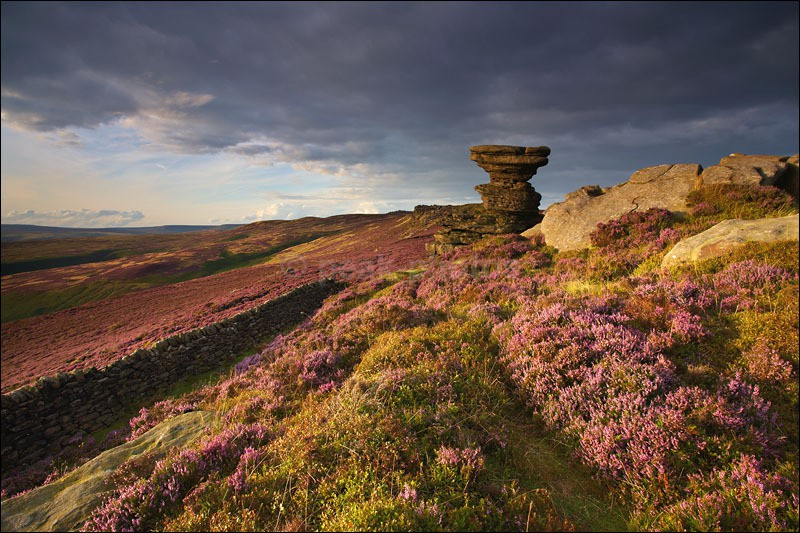 The Salt Cellar on Derwent Edge - Peak District | Dark Peak