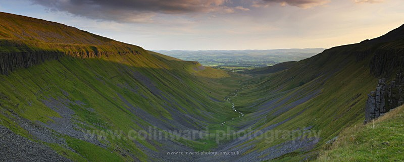 High cup Panoramic  ref hc1 - The Pennines and The Lake District
