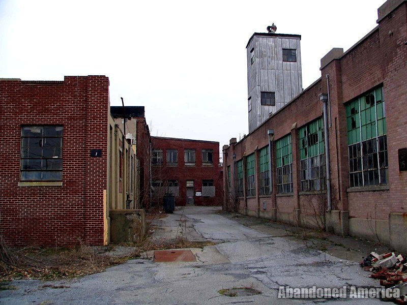 raybestos raymark asbestos manufacturing plant - matthew christopher murray's abandoned america
