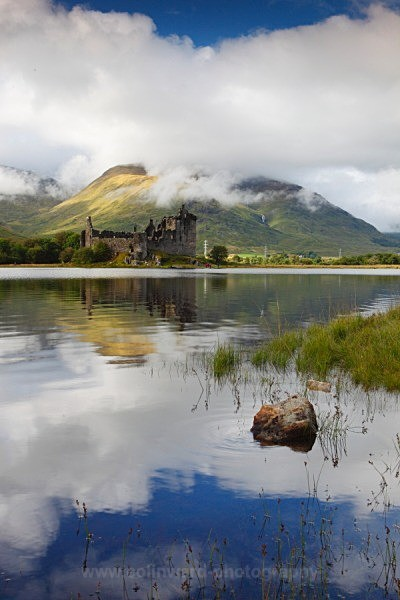 Loch Awe and Kilchurn castle    ref 1590 - West Highlands