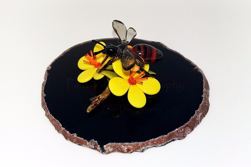 Honey bee - The art of glass