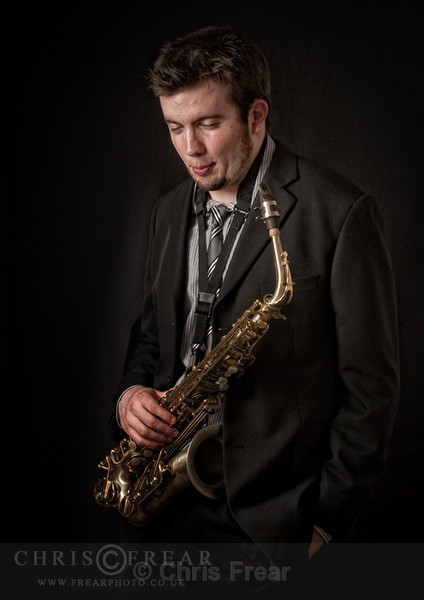 Saxophonist-colour-web - Studio Portraits