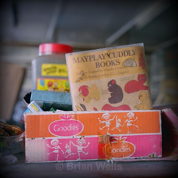 Playday Cuddly Books - 'Ye Olde Curiosity Shoppe'