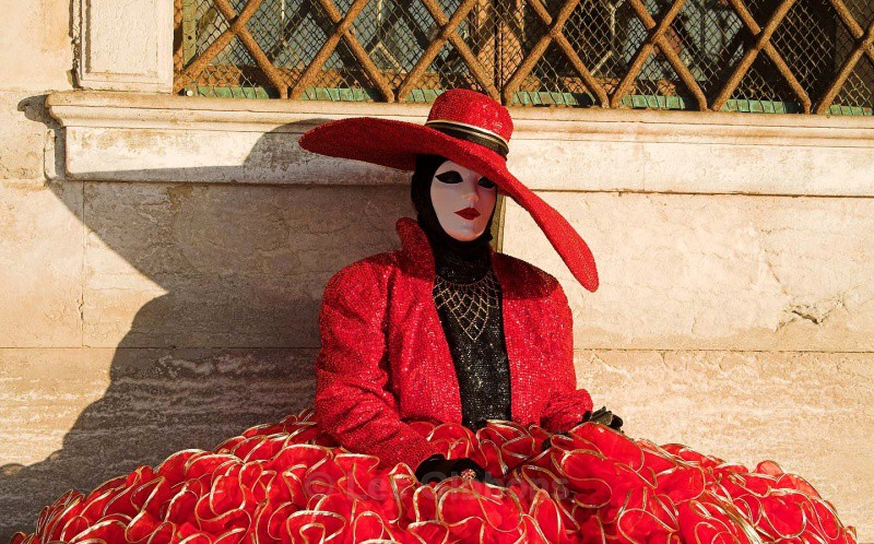 red hat - Venice