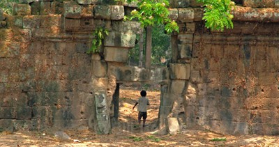 Angkor Boy - Monument