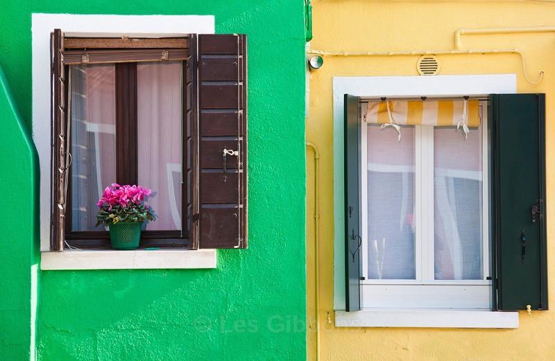 Burano - yellow and green - Venice