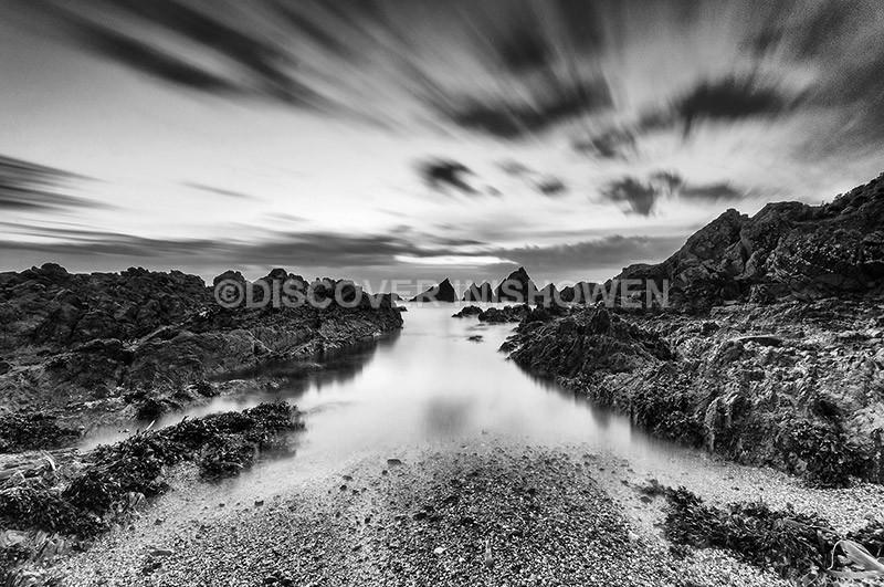 Culdaff shore - Inishowen peninsula- B&W