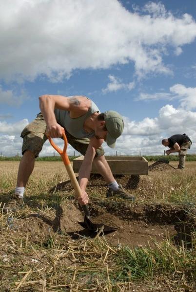 Shovel - Henge Diggers