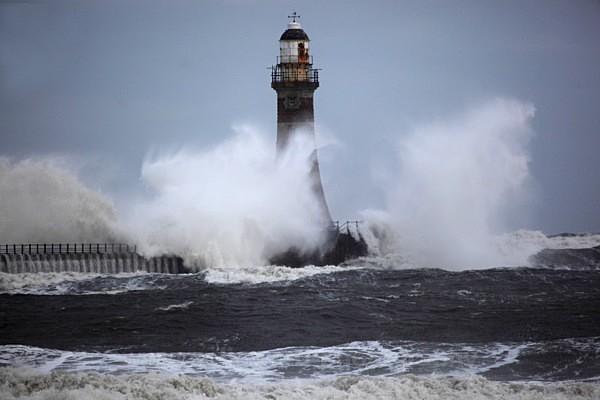 Roker pier lighthouse, Sunderland   ref 9918 - Tyne and Wear