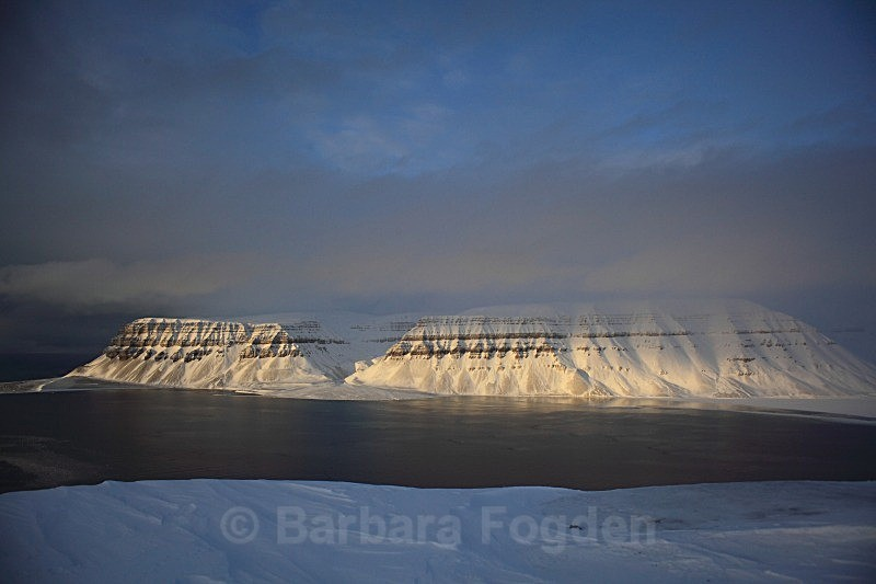 Templefjorden 3157 - Colours of Svalbard