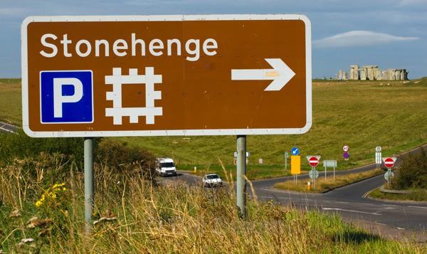 Stonehenge This Way - Stonehenge