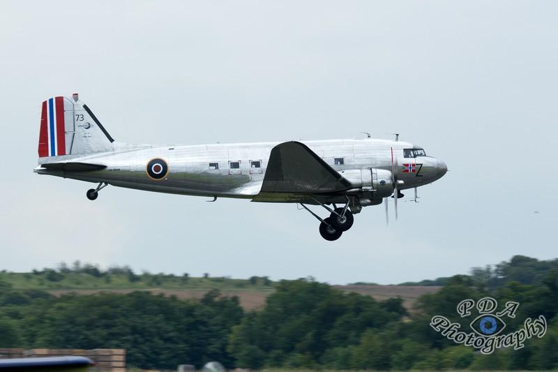 3 Douglas DC-3(C)