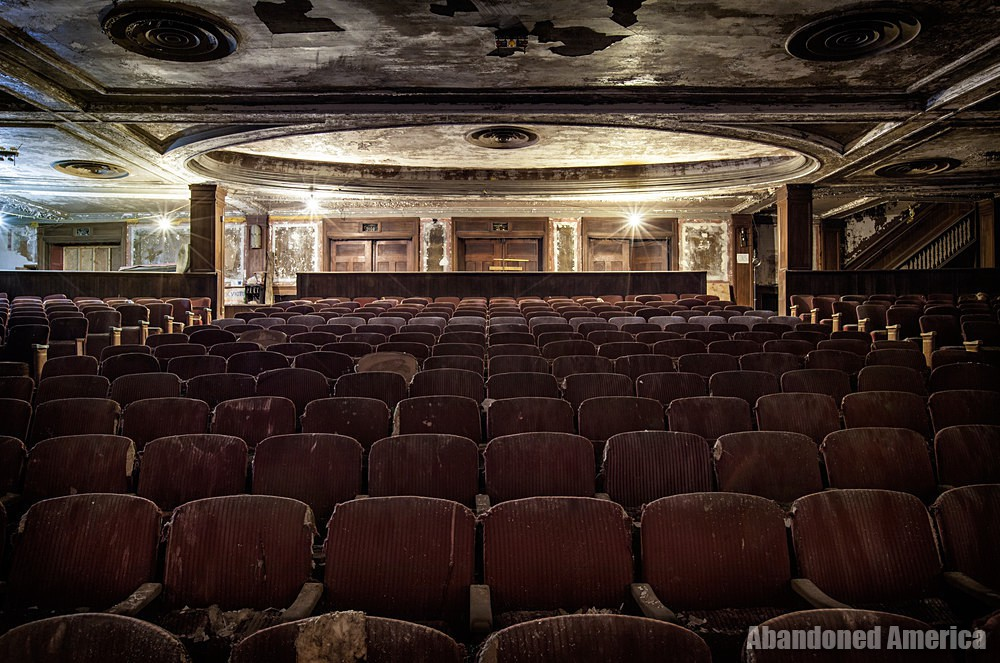 Victory Theatre (Holyoke MA) | Facing Back - The Victory Theatre
