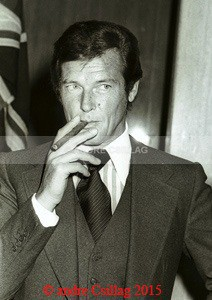 Roger Moore - M..