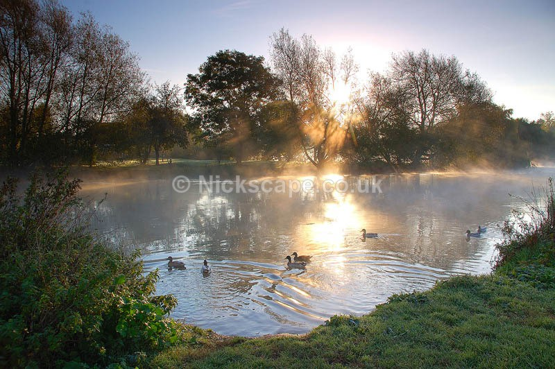 Frosty Autumn sunrise on the banks of the River Avon | Warwickhire Photography Galleries