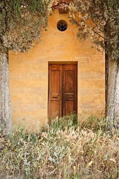 yellow chapel2 - Tuscany
