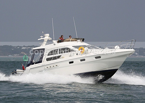 090419 SEALINE F44 IMG_3768 - Flybridge Cruisers. View Prices, or Buy Now