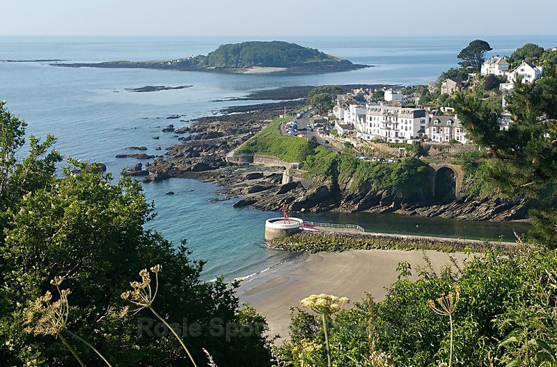 LO60 - View of Looe island the Banjo Pier and Hannafore - Greetings Cards Looe